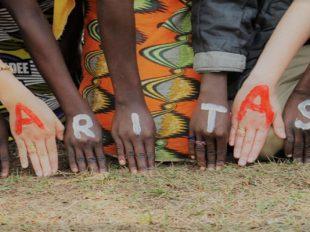 manos_caritas